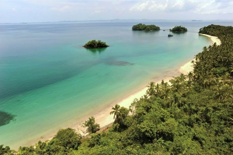La isla tiene 3500 hectáreas.