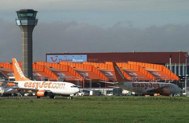 El Aeropuerto de Londres Luto es la base operativa central de la low cost británica easyJet.