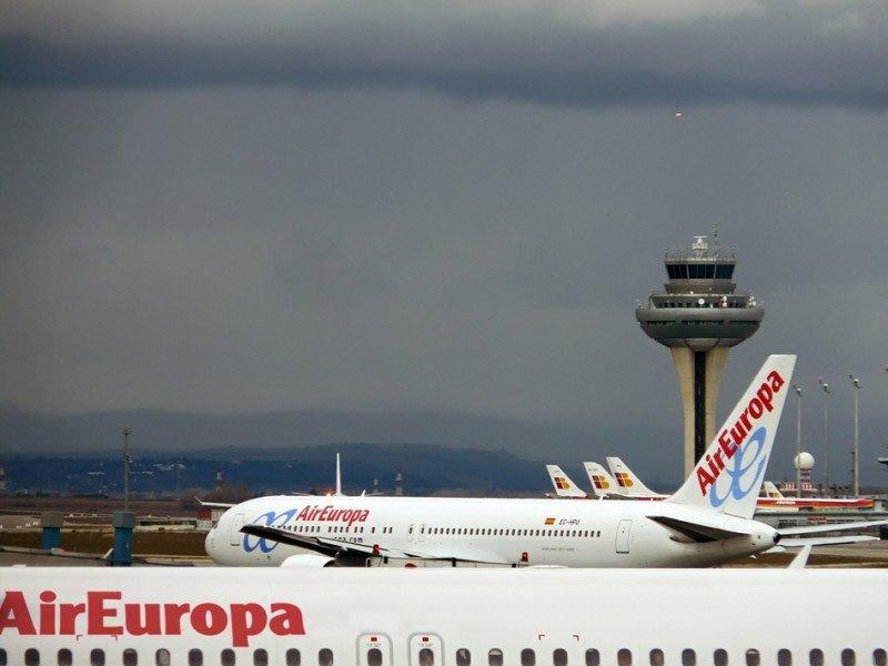 Air Europa aventaja a Iberia por casi medio millón de pasajeros hasta septiembre, convirtiéndose en la aerolínea de referencia del Aeropuerto de Madrid-Barajas.
