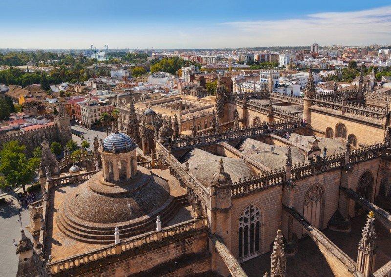 Abren 27 expedientes sancionadores a hoteles clandestinos de Sevilla en un año