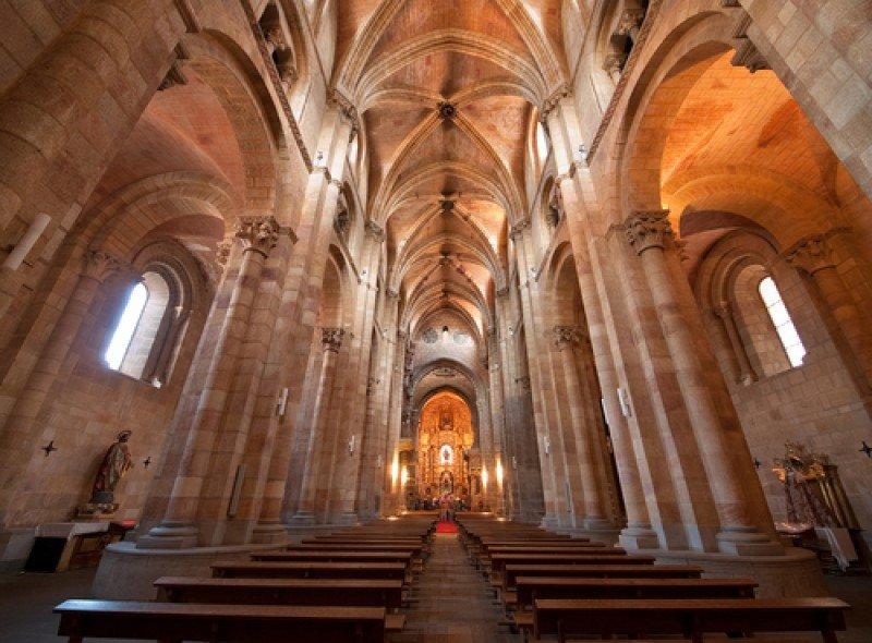 Iglesia de San Pedro, en Ávila. #shu#