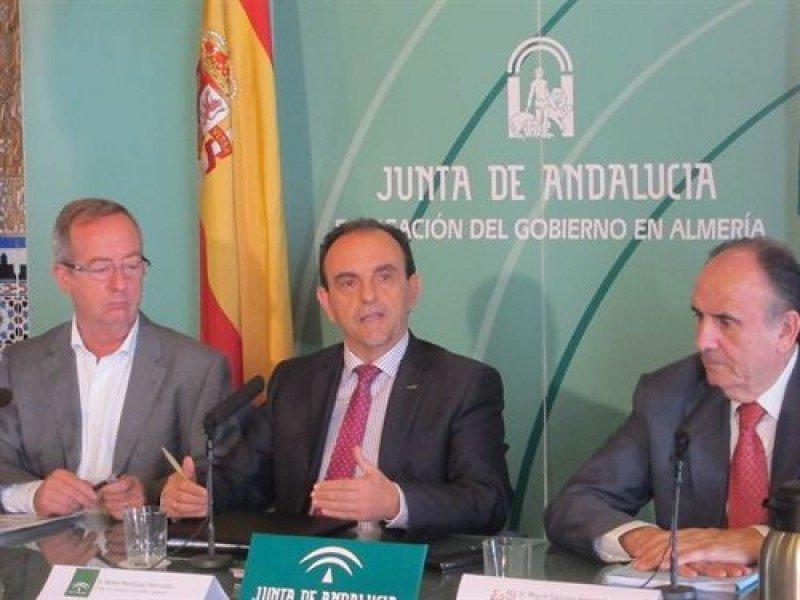 Andalucía incentivará a los hoteles para que abran todo el año