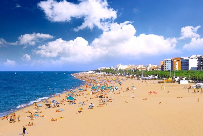 Cataluña concentró casi el 26% de las llegadas de turistas internacionales hasta septiembre. #shu#