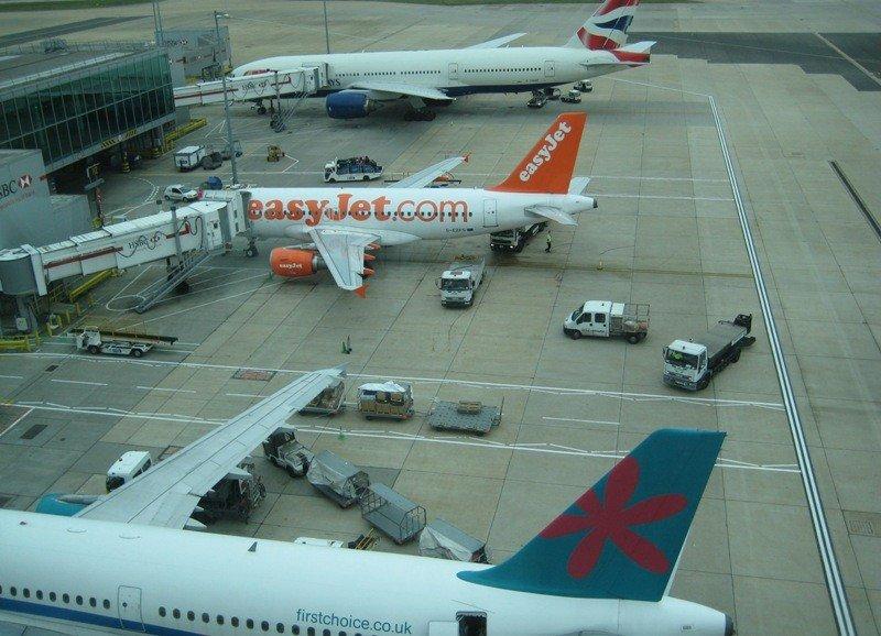 Aviones en el aeropuerto de Gatwick, Londres.