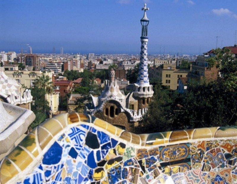 Dependiendo de la nacionalidad, los turistas eligen una ubicación u otra en Barcelona para alojarse en un apartamento.