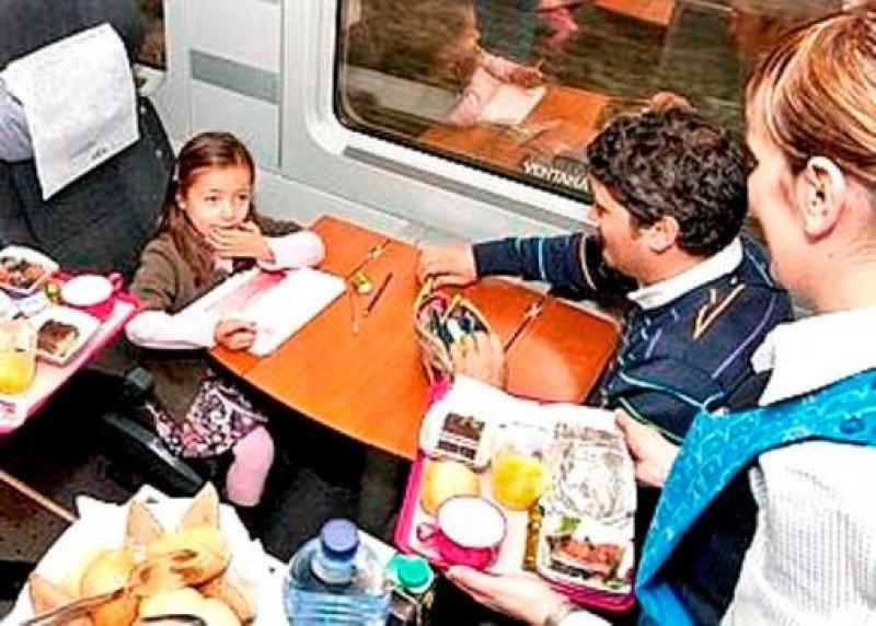 Ferrovial gana el servicio a bordo del AVE por 380 M €