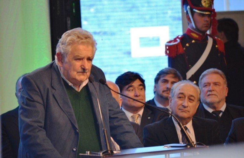 José Mujica en la ceremonia organizada por Buquebus en Buenos Aires