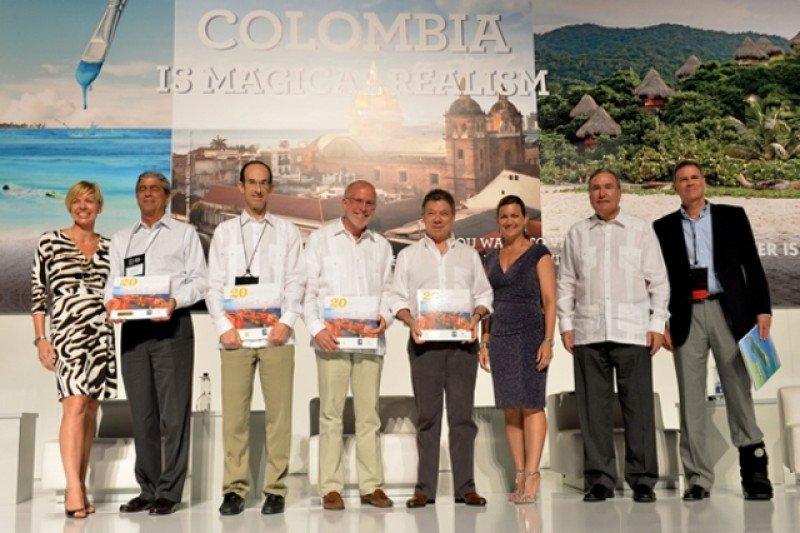 El presidente Santos junto a referentes de la industria de cruceros en la inauguración de la conferencia.
