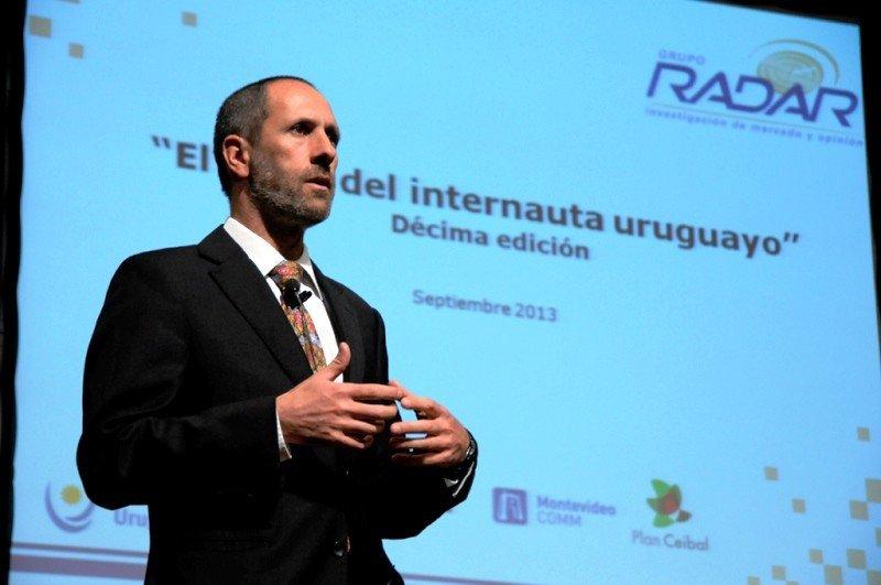 Director de Grupo Radar, Alain Mizrahi, presentando el Perfil del Internauta Uruguayo 2013