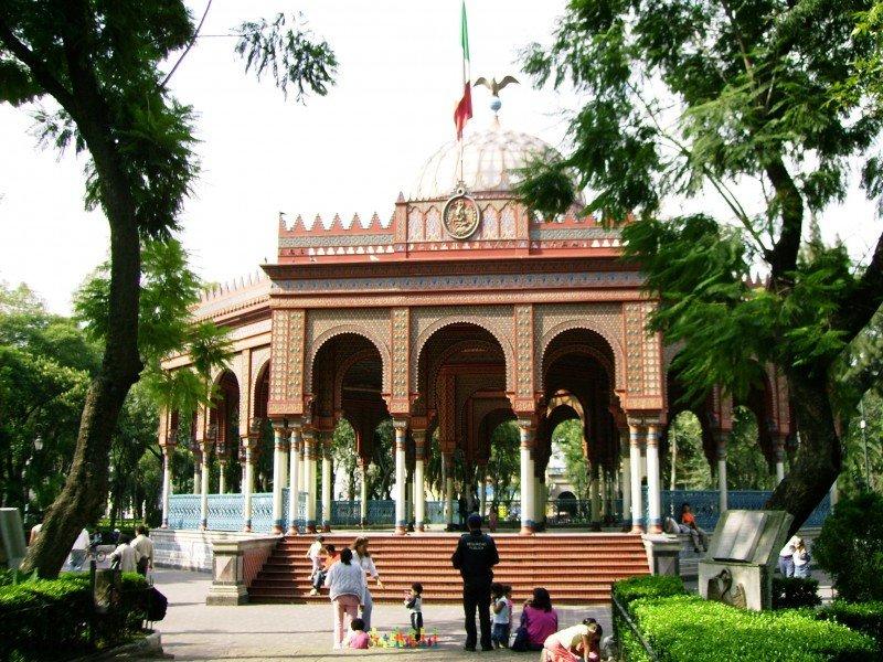 Kiosco Morisco en la Alameda de Santa Maria la Ribera.