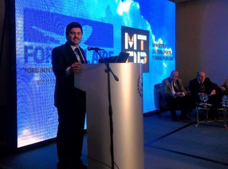 Mustafa Dogan, gerente general para Argentina y Uruguay de Turkish Airlines en su exposición en el Foro del Aire.