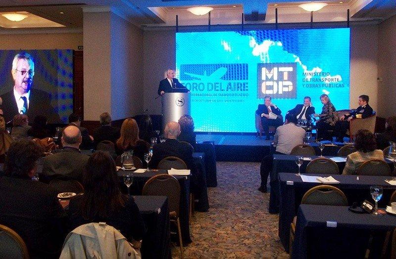 Pintado dijo que Uruguay impulsará una política de cielos abiertos en el Mercosur para antes del Mundial.