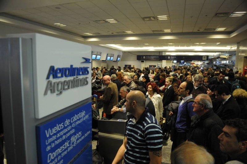 La medida de fuerza afectó sobre todo a la compañía estatal Aerolíneas Argentinas.