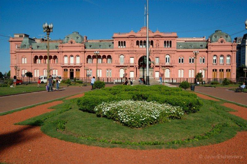 Casa Rosada y Plaza de Mayo. (Foto: Javier Etcheverry).