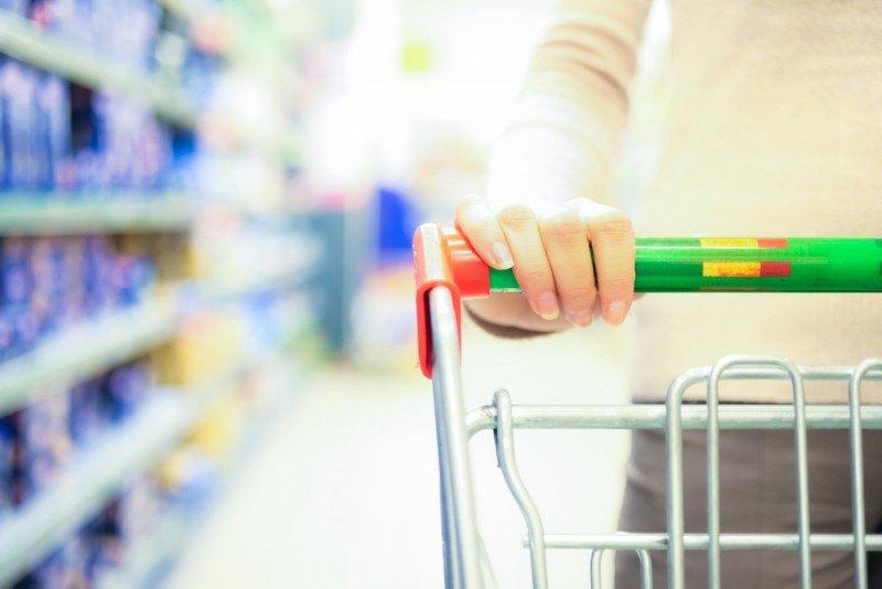 A pesar del descenso, la confianza del consumidor está 20 puntos por encima sobre el indicador de hace un año. #shu#