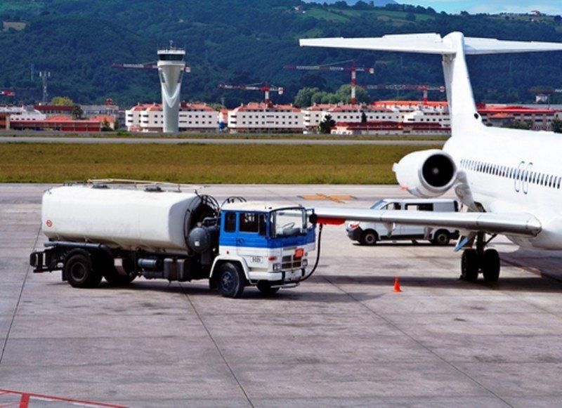 Mantendrán libres de impuesto las importaciones de combustible de avión