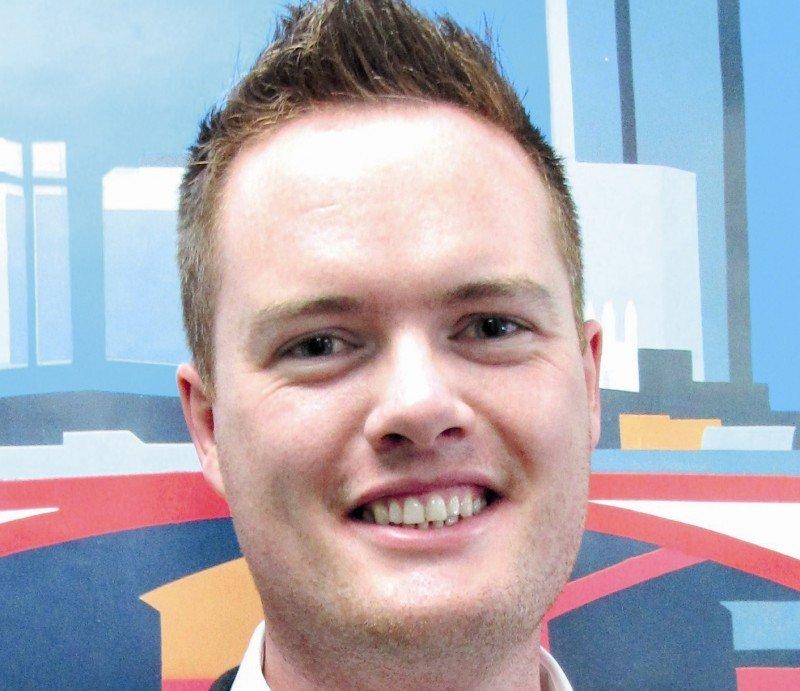 Peter Jordan destaca que los jóvenes viajeros están permanentemente conectados.