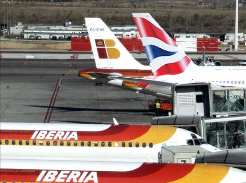 Iberia y sindicatos prorrogan por un año todos los convenios salvo de pilotos