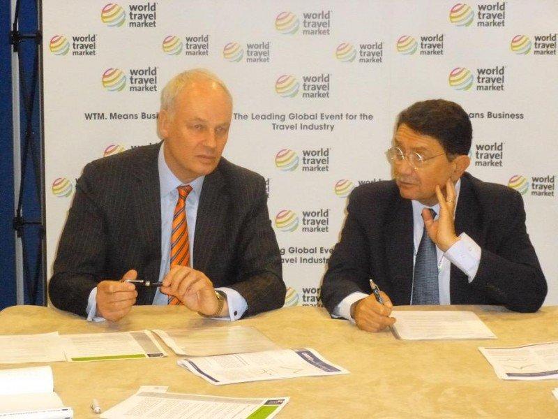 David Scowsill (WTTC) y Taleb Rifai (OMT) en la rueda de prensa conjunta que ofrecieron en la World Travel Market de Londres.