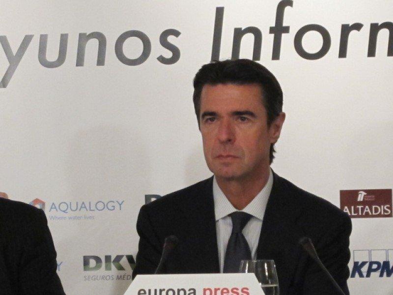 José Manuel Soria destaca la aportación del turismo a la mejora de la economía española.