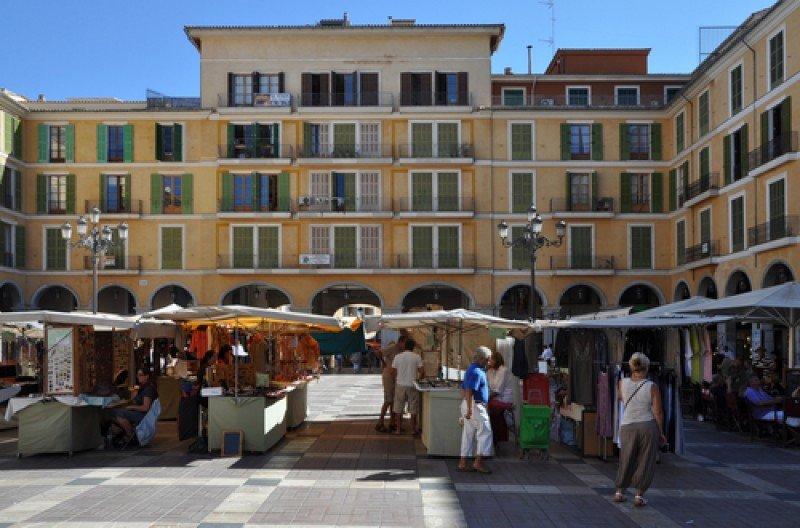 La Plaza Mayor de Palma de Mallorca. #shu#