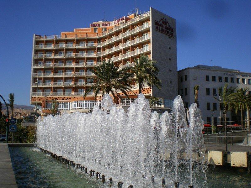 La bajada de impuestos para hoteles de Almería exigirá facturar un 1 M €