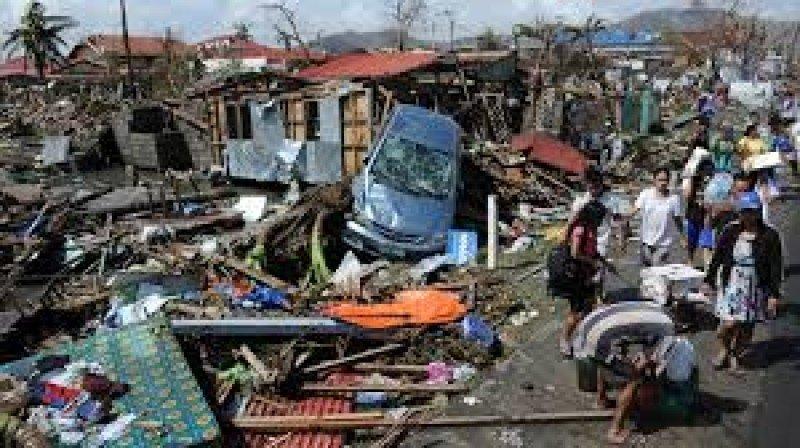 Las víctimas mortales del tifón superan las 2.200.