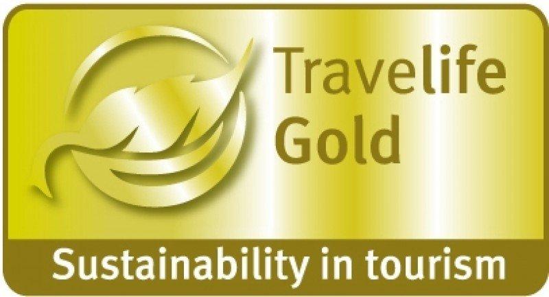 El distintivo Travelife Gold reconoce el esfuerzo de los hoteles de Riu por operar de manera responsable con el entorno y la comunidad.
