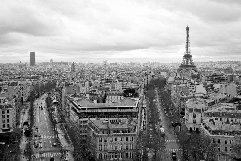 París lidera junto a Londres la paridad. #shu#.