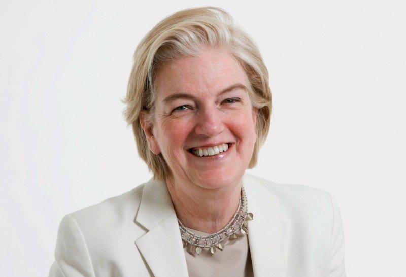 IAG ficha a la ex CEO del Financial Times, Marjorie Scardino.