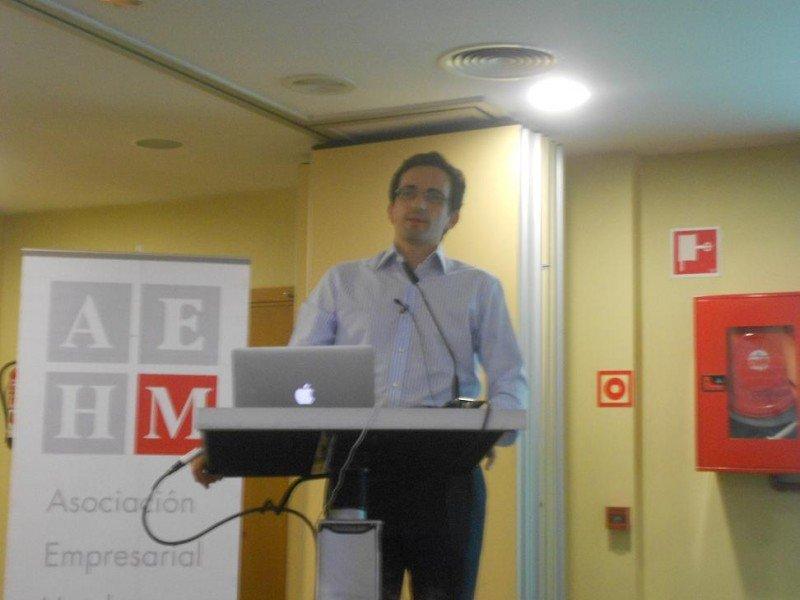 Pablo Delgado, CEO de Mirai, advirtió de que si Facebook comienza a funcionar como comparador será un gran competidor para Google, Trivago y TripAdvisor.