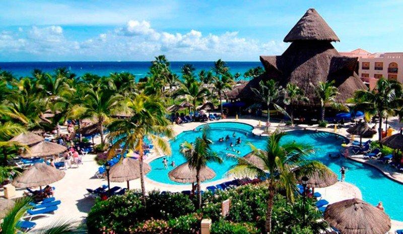 El Sandos Playacar, en México, es uno de los dos únicos hoteles del Grupo incluidos en la causa abierta.