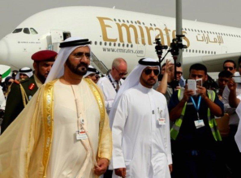 Mohammed bin Rashid Al-Maktoum, actual primer ministro y vicepresidete de Amiratos Árabes Unidos y mandatario del emirato Dubai, llega al evento (Foto: AFP).