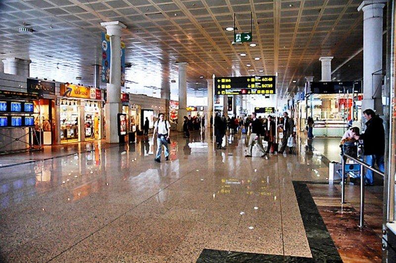 Solo Barcelona-El Prat recibe la quinta parte de los pasajeros que llegan en este tipo de aerolínea.