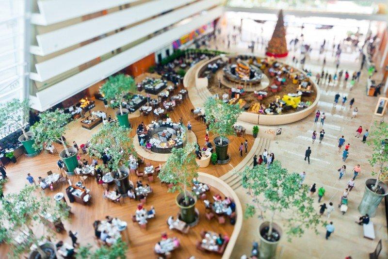 El lobby se hace más grande y se convierte en un centro más abierto y social con múltiples espacios. #shu#
