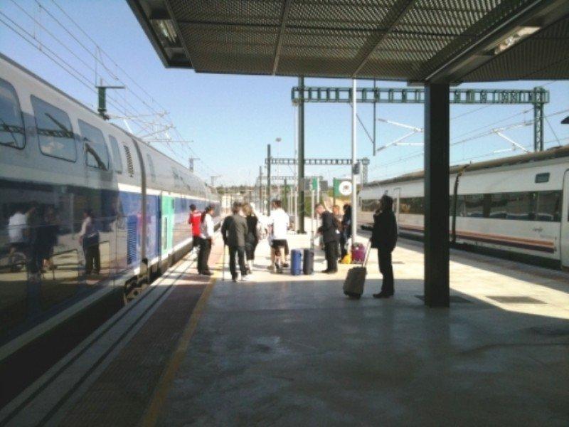 Estación de Figueras-Vilafant donde actualmente hay que hacer un trasbordo para seguir a París (Foto de Minube.com).