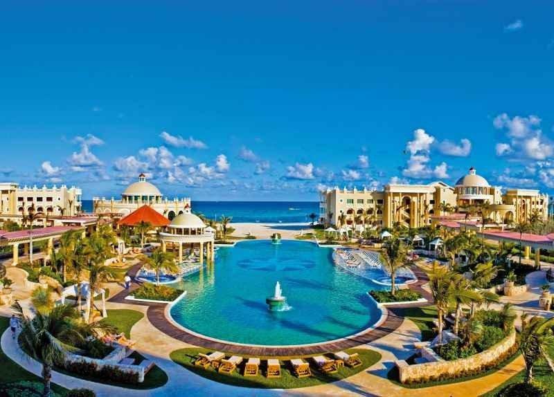 El Iberostar Grand Hotel Paraíso en Playa Paraíso, México, ha sido reconocido como el mejor del mundo por los usuarios de TripAdvisor.