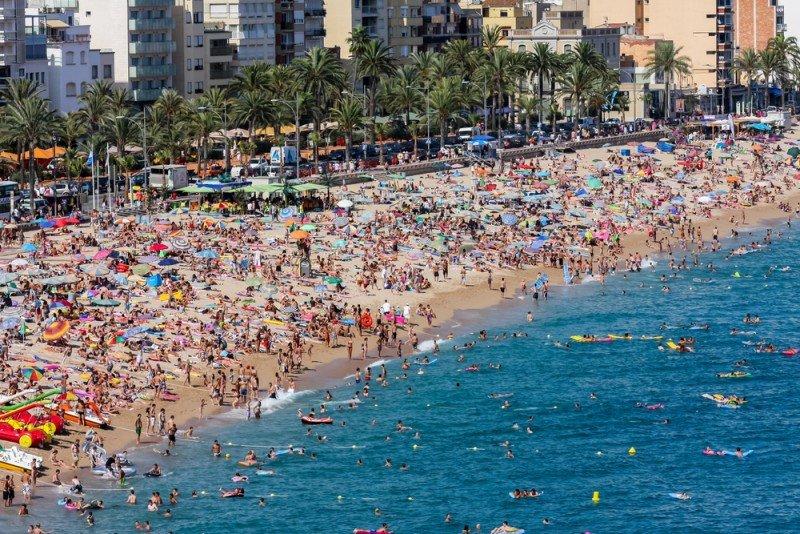 Cataluña acaparó el 25,8% del total de las llegadas. #shu#