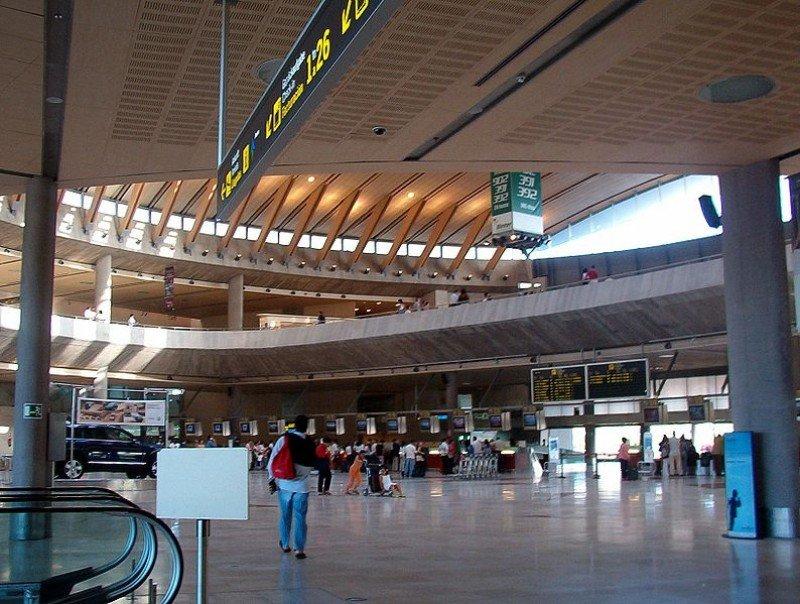 Fomento investiga irregularidades en las subvenciones a residentes de Canarias