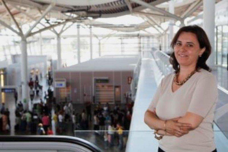 Sagrario Díaz Fernández, ex directora del Aeropuerto de Zaragoza y nueva jefa d ela División de Carga Aérea de Aena Aeropuertos (Foto: CHUS MARCHADOR de El Periódico de Aragón).