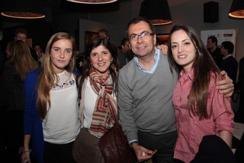 Rosina Saldombide, Daniela Bruno, Gustavo Mederos y Sofía Condon de LATAM Airlines Group.