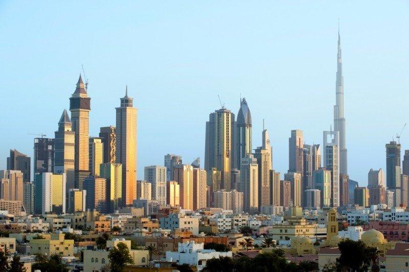 Rascacielos en Dubai, Emiratos Árabes Unidos.