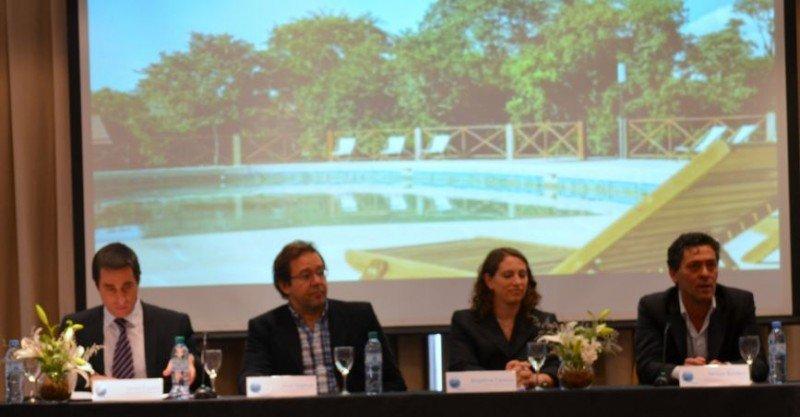 Izq a der: Javier Espina (Mendoza); Ariel Kremar (Misiones); Angelina Cerone (Jujuy); Néstor Bardeci (consultor MINTUR).