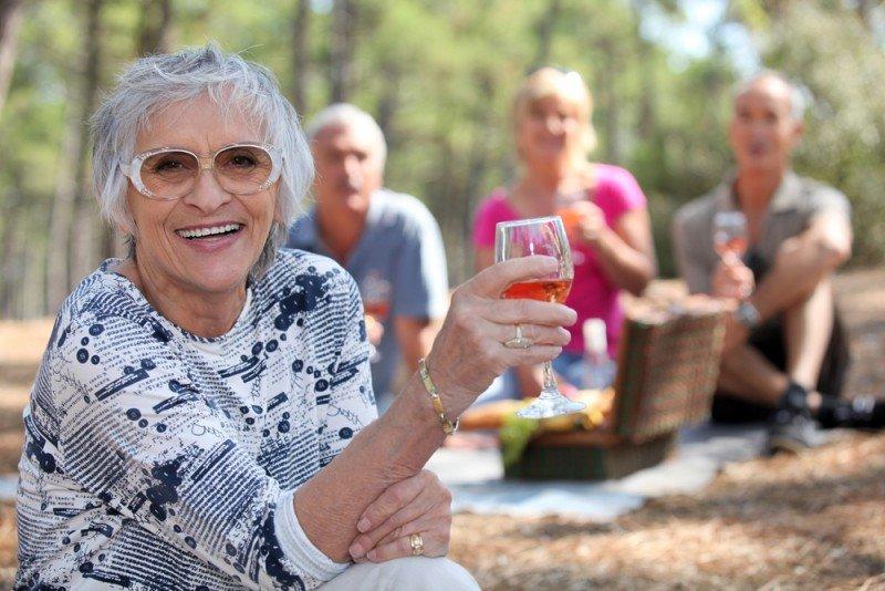 Las personas mayores de 65 años constituyen un mercado cada vez más amplio, con gran potencial para el turismo. #shu#