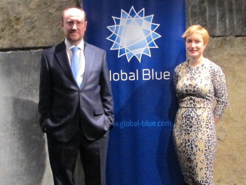 Luis Llorca, director general de Global Blue, en España, y Paloma Lucas, directora del estudio.
