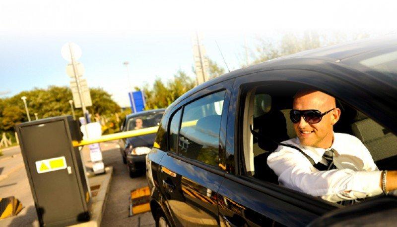 Essential está especializado en servicios auxiliares de viajes tales como parkings en aeropuertos.