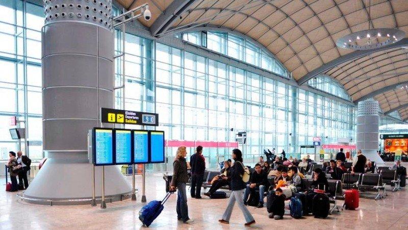 El tráfico aéreo español acumula una caída del 4% en lo que va de año
