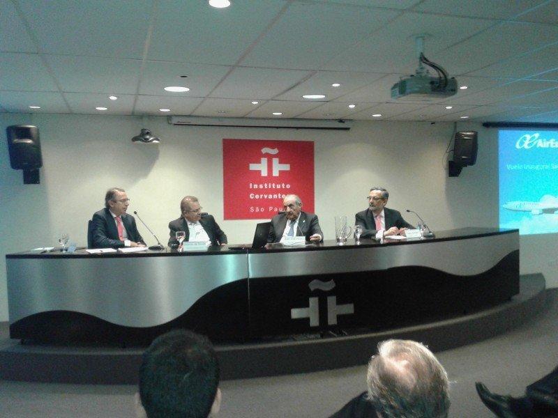 """Hidalgo: """"Air Europa no se plantea ocupar el lugar de Iberia porque ya lo ha hecho"""""""