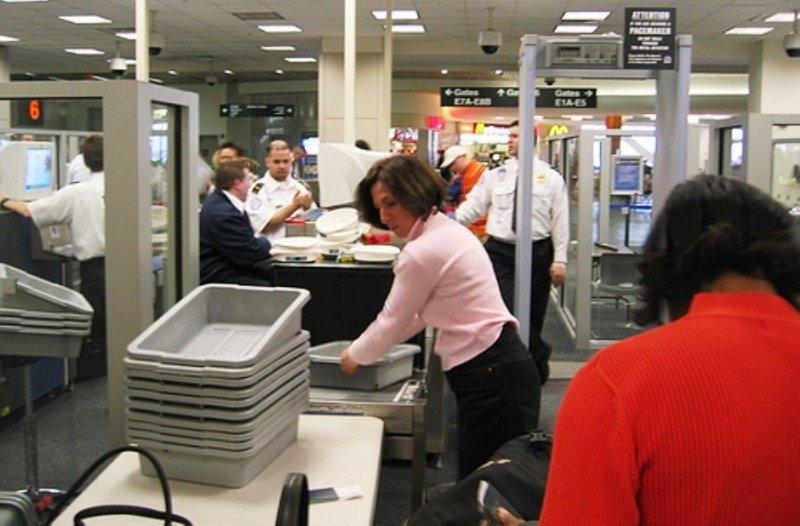 Los aeropuertos españoles cerrarán 2013 con 1.700 reclamaciones sobre seguridad
