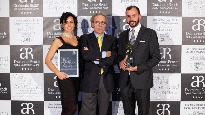 Alessandra Ascolese ( Directora área Capital Humano), Domènec Biosca (Presidente CEPET), Giorgio Ascolese (Director general de AR hotels